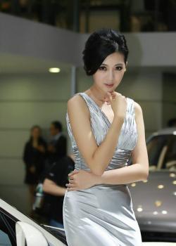 极品美女车模车展展示光鲜服饰靓丽容颜写真